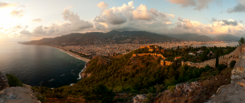 Panorama Alanya. 2009, Thomas van Ardenne. CC Attribution-NonCommercial-NoDerivs 2.0